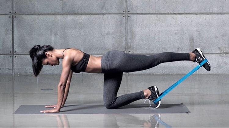Резинки для фитнеса - Упражнения с резинкой для женщин в домашних условиях